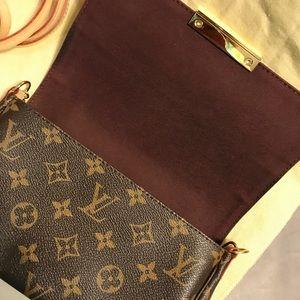 Louis Vuitton Bags - Authentic Louis Vuitton Favorite PM